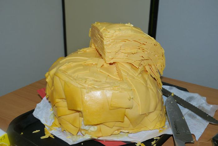 Hamburger with 1000 Slices of Cheese (30 pics)