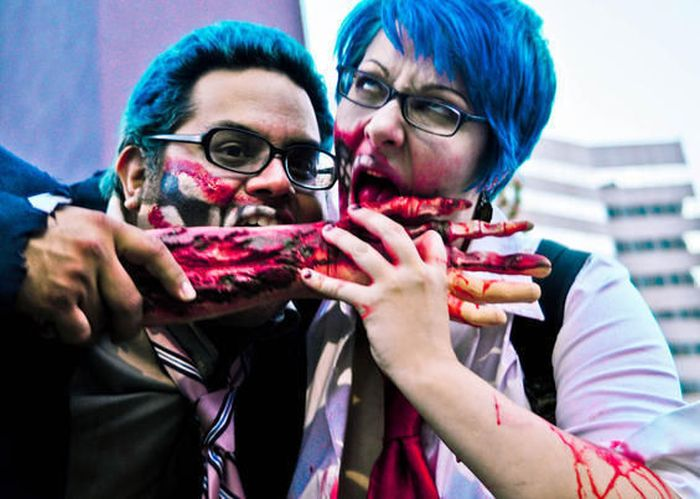 The Zombie Apocalypse Across America (59 pics)