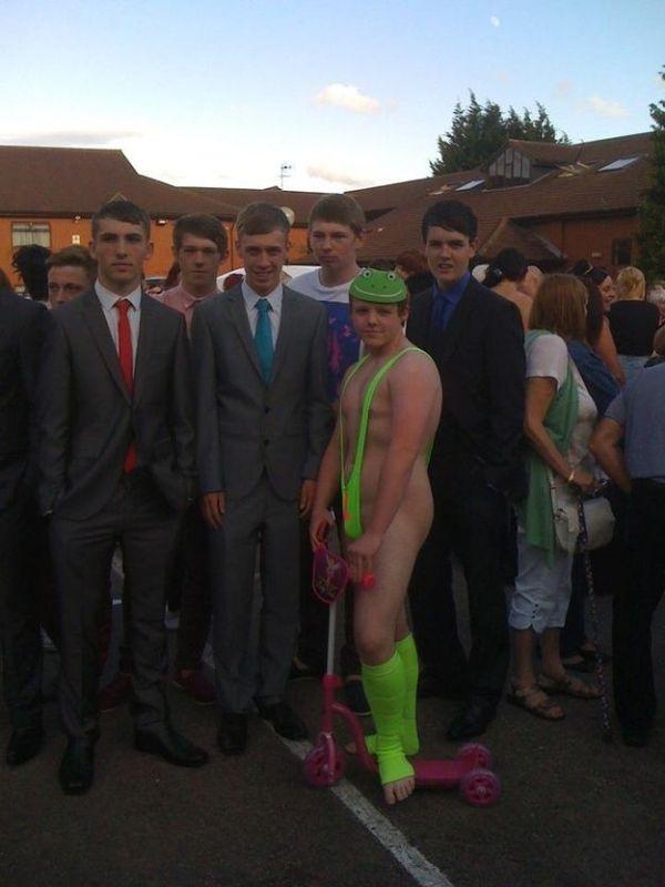 Borat Mankini Prom Suit (4 pics)