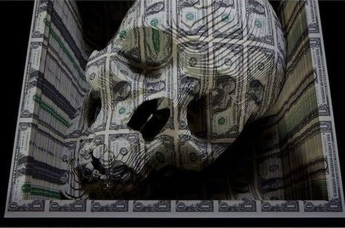 Sculpture Made with Dollar Bills (6 pics)