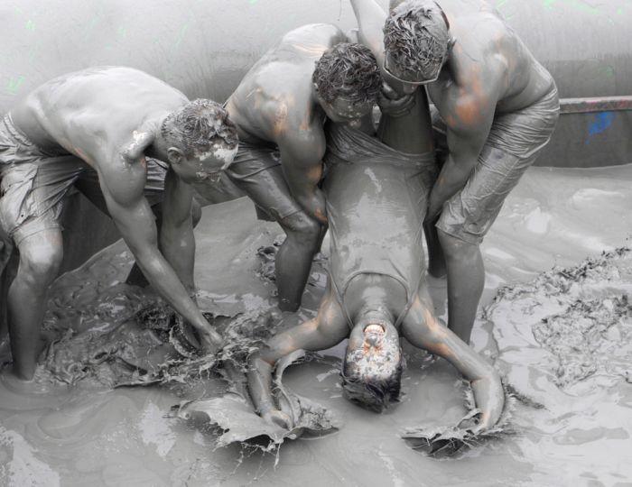 The Boryeong Mud Festival 2012 (21 pics)