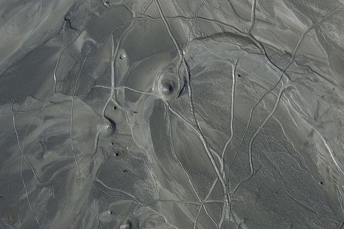Volcanoes in the Back Yard (25 pics)