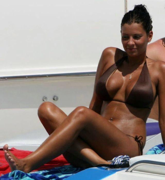 Bikini Girls (79 pics)