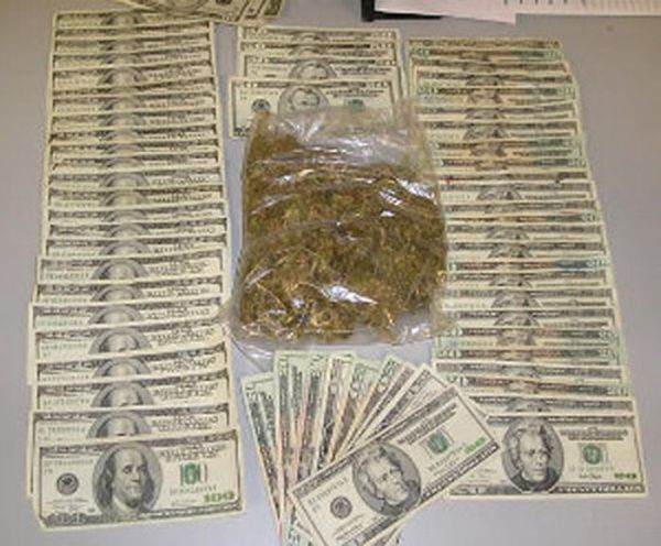 Ceased Guns, Drugs, and Money (33 pics)
