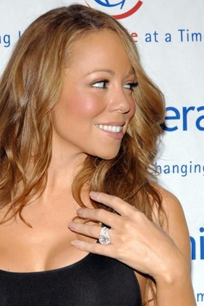 Rings of Celebrities (45 pics)