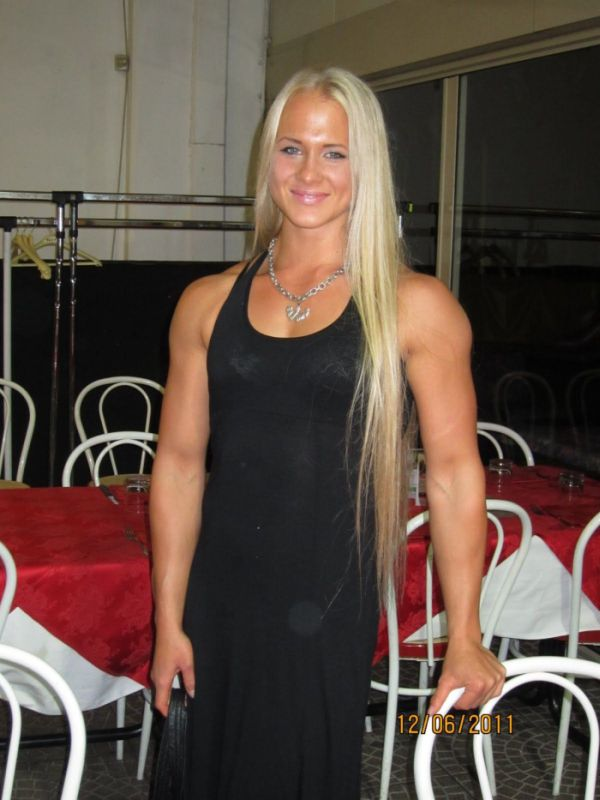 Sarah Backman (15 pics)