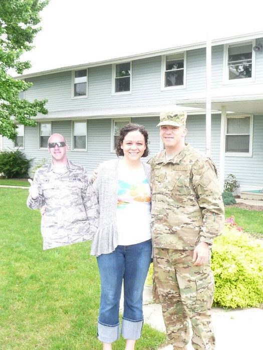 Her Husband Is Serving in Afghanistan... (16 pics)