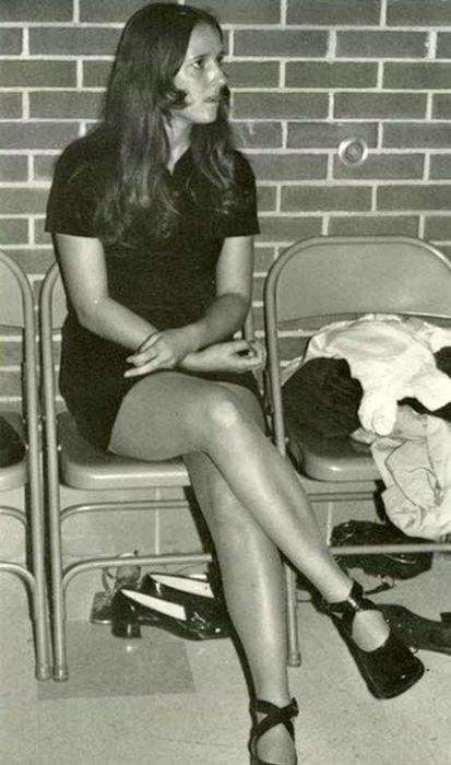 Miniskirts of the Past. Part 2 (107 pics)