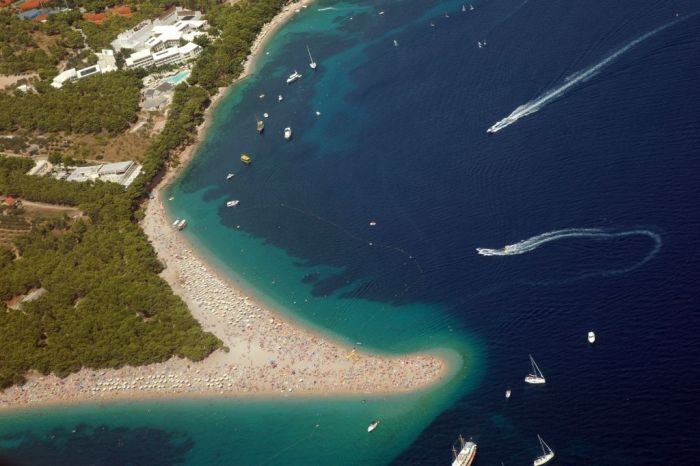 Zlatni Rat - Beautiful Beach in Croatia (6 pics)