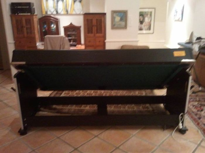 Pool Table with a Secret (4 pics)