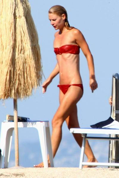 Famous Girls in Coral Bikini (52 pics)