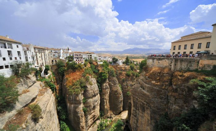 how to get to ronda from marbella