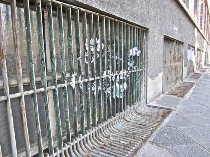 Street Art on Railings by Zebrating (20 pics)
