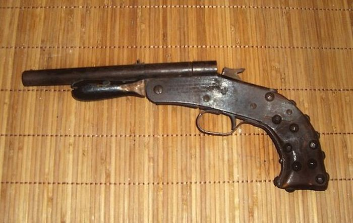 Self Made Weapons Used by Criminals (19 pics)