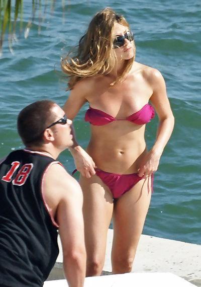 Famous Girls in Pink Bikinis (47 pics)