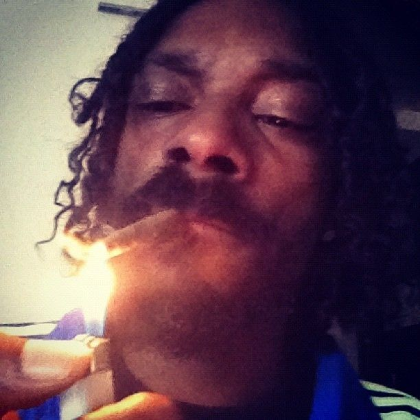 Snoop Dogg with a Joint (13 pics)