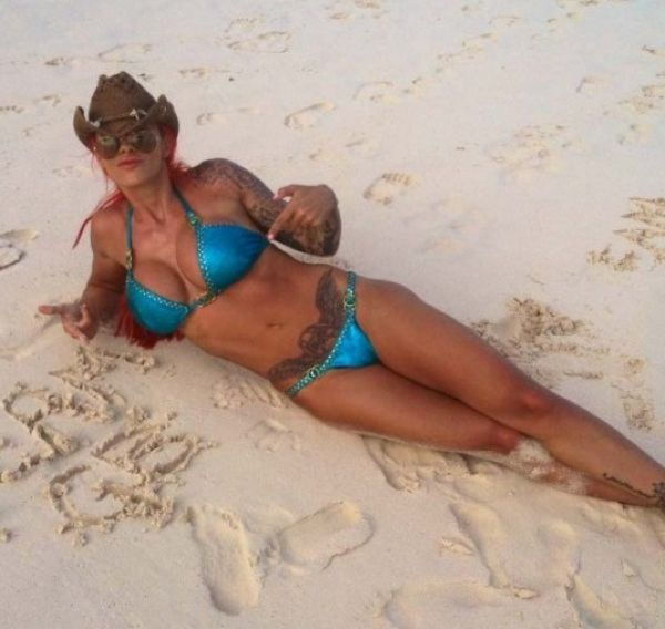 Beach Photos of Jodie Marsh (8 pics)