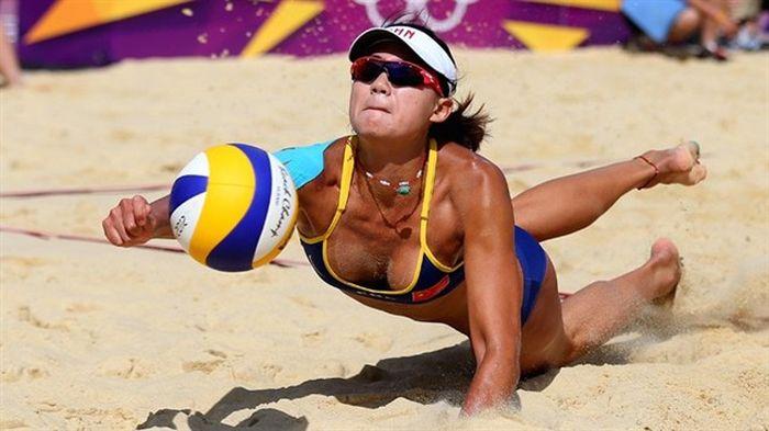 Beach Volleyball Girls (44 pics)