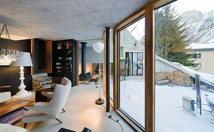 House Built Inside a Mountain in Swiss Alps(19 pics)