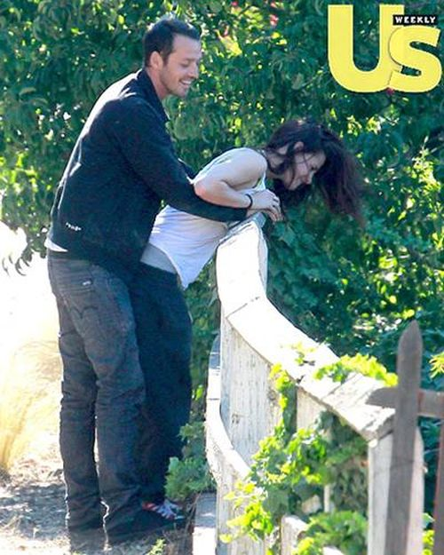 Kristen Stewart Cheating on Robert Pattinson (12 pics)