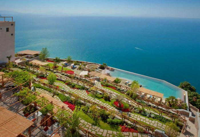 Monastero Santa Rosa Hotel in Italy (39 pics)
