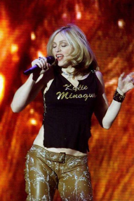 Celebrities Wearing Celebrity T-shirts (49 pics)