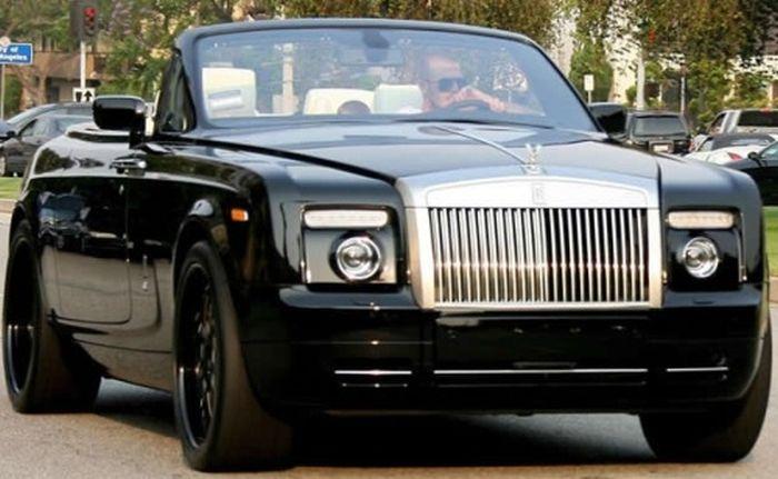 Cars of Celebrities (22 pics)