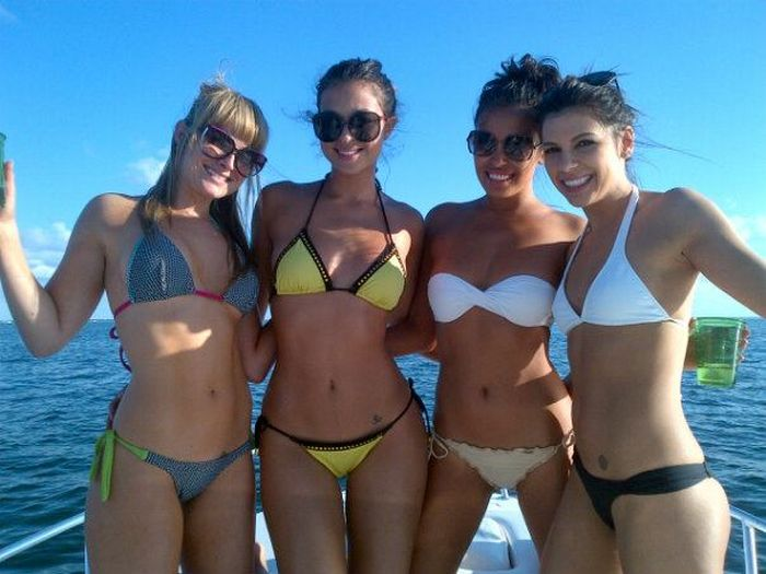 Dildo big college girls in a bikini