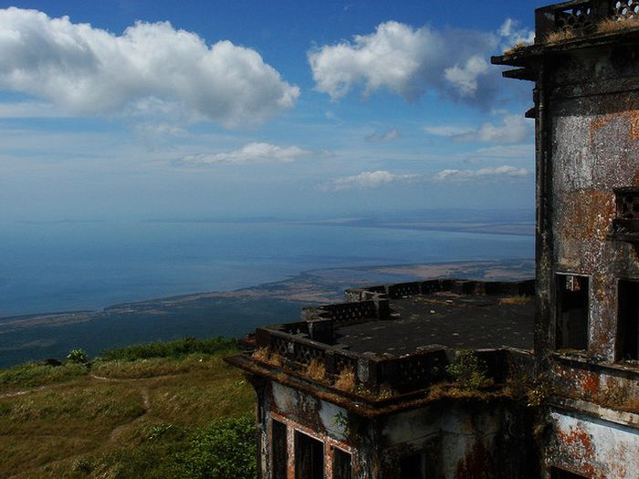 Acidcow.com Bokor Hill Station. Abandoned Town in Cambodia
