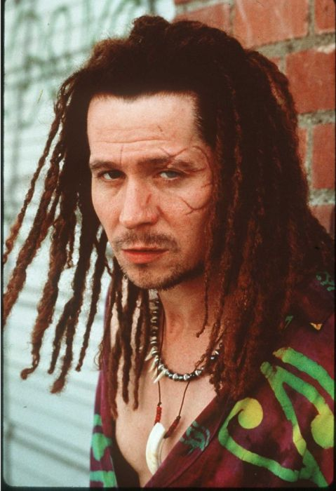 Many Faces of Gary Oldman (11 pics)