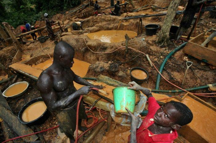 Gold Mining in Ghana (34 pics)