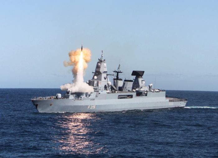 Naval Weapons (95 pics)