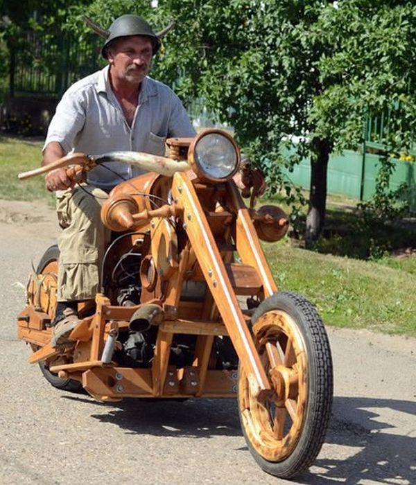 Wooden Chopper (5 pics)