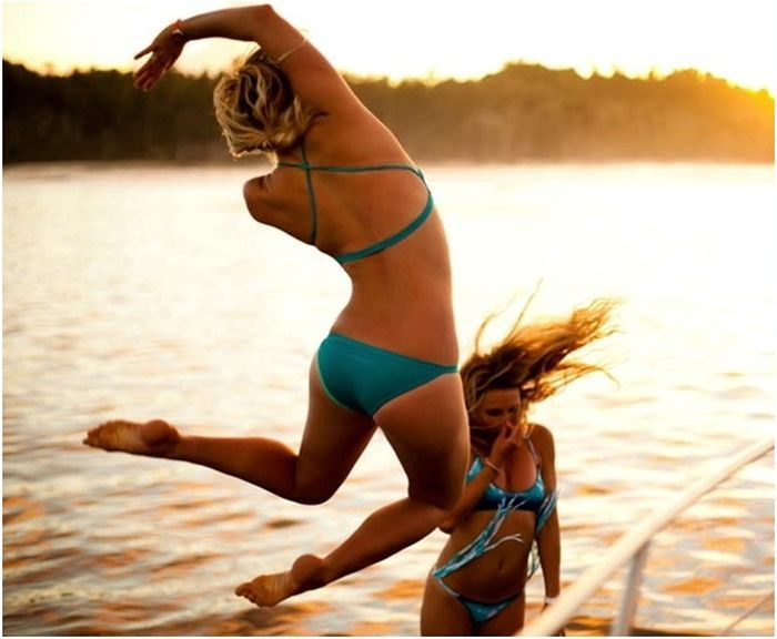 One-Armed Surfer Bethany Hamilton (21 pics)