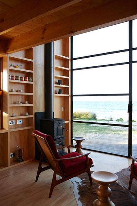 Beach House in New Zealand (7 pics)