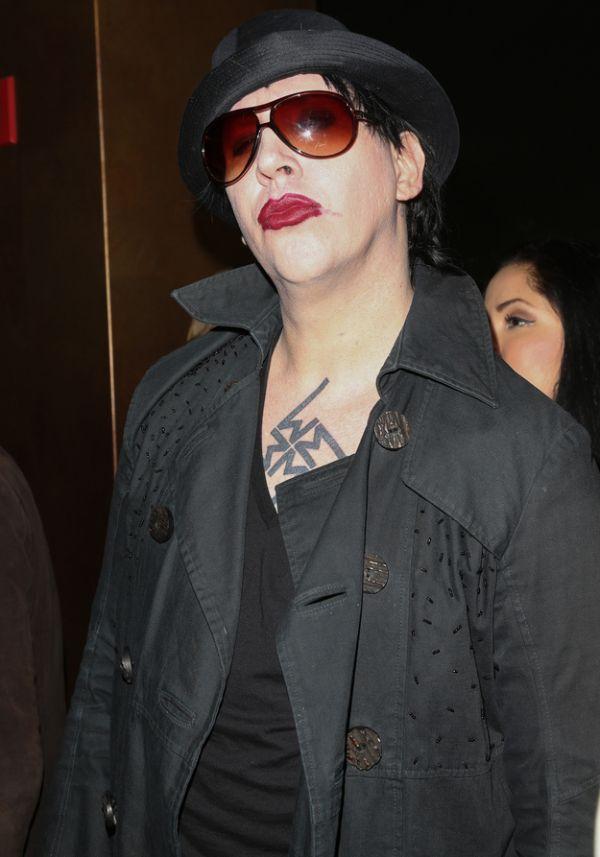 Marilyn Manson Today (3 pics)