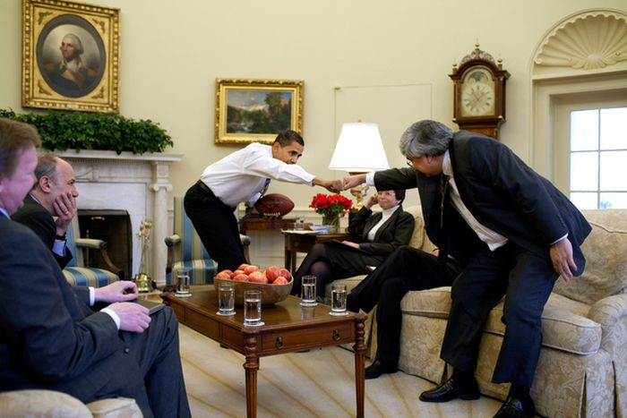 The Oval Office Apple Bowl (40 pics)