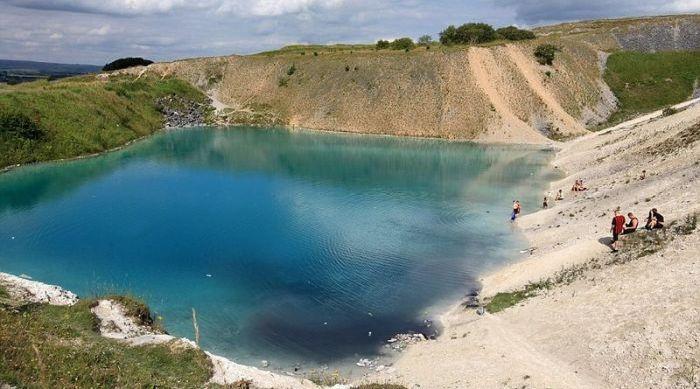 Lake of Bleach (11 pics)