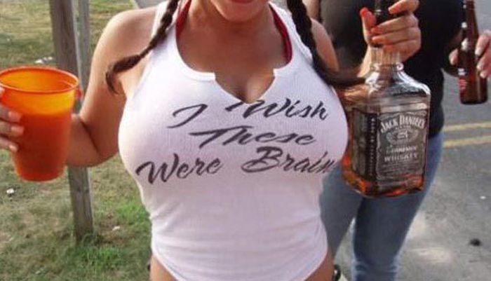 Funny and Sexy Boobs Messages (47 pics)
