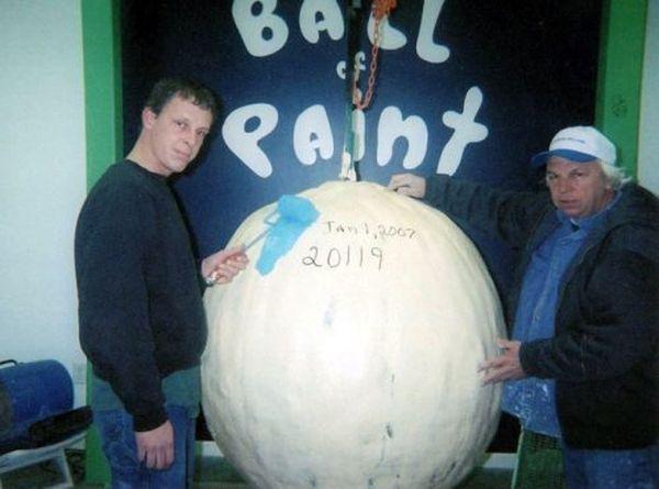Ball of Paint (17 pics)
