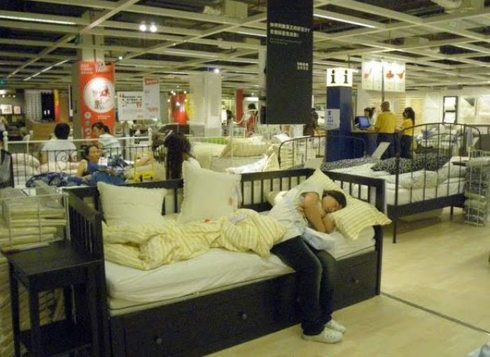 Why People Love IKEA in China (12 pics)