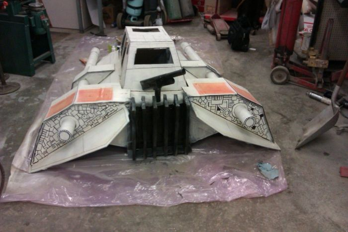 Cardboard Snow Speeder for Downhill Race (17 pics)