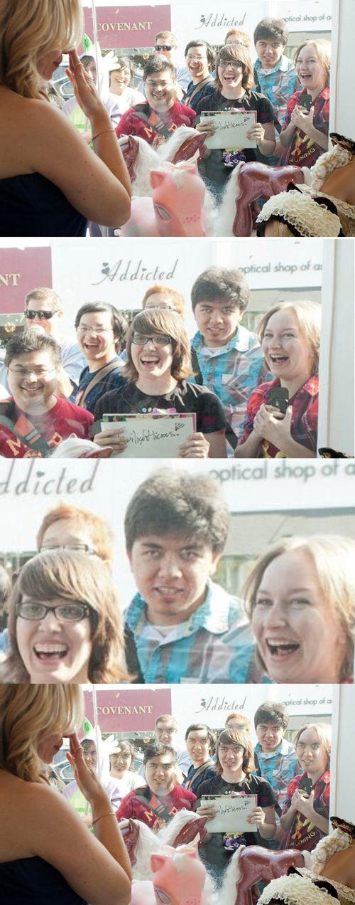 The Best Photobomb Faceswaps (22 pics)
