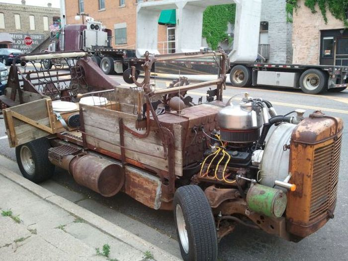Minnesota Farmer Builds a Roadster (9 pics)