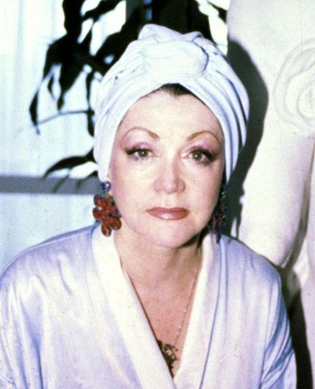 How Jackie Stallone Looks Now (7 pics)