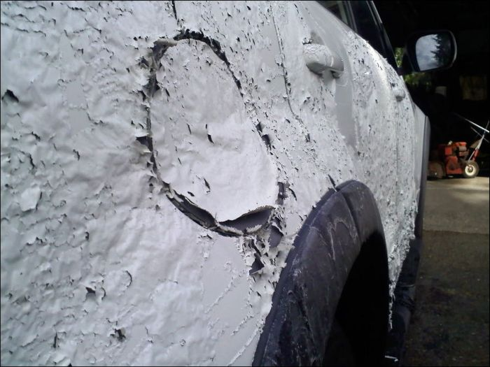 Brake Fluid vs Car (7 pics)