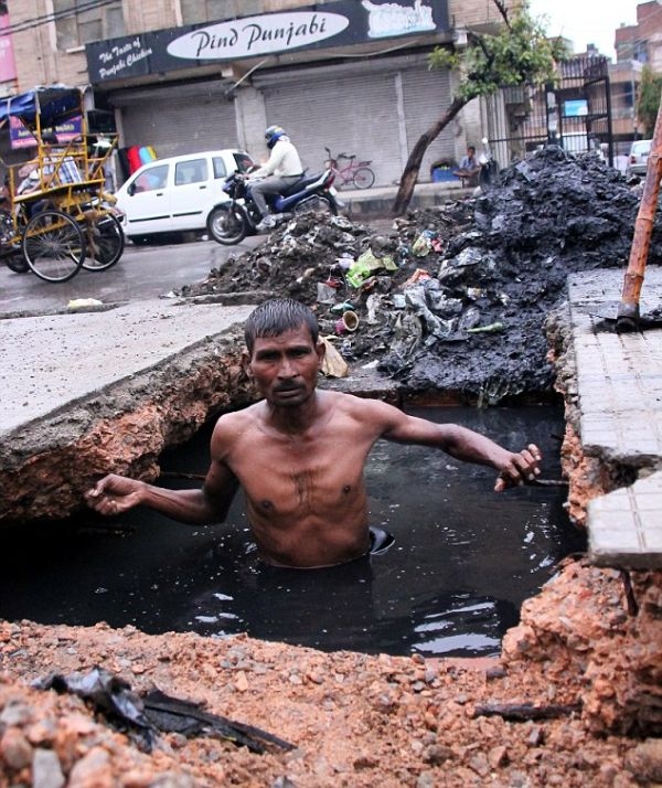Sewer Diver (5 pics)