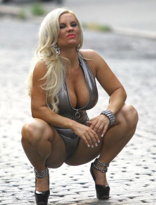Coco Camel Toe (7 pics)