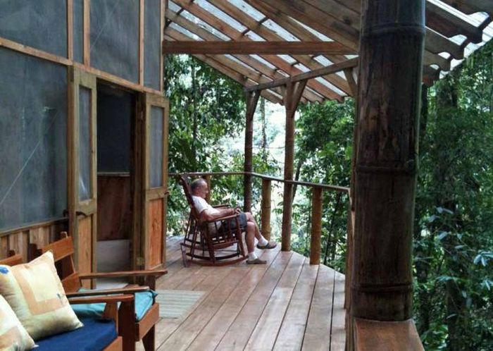 Building a Treehouse Village in Costa Rica (31 pics)