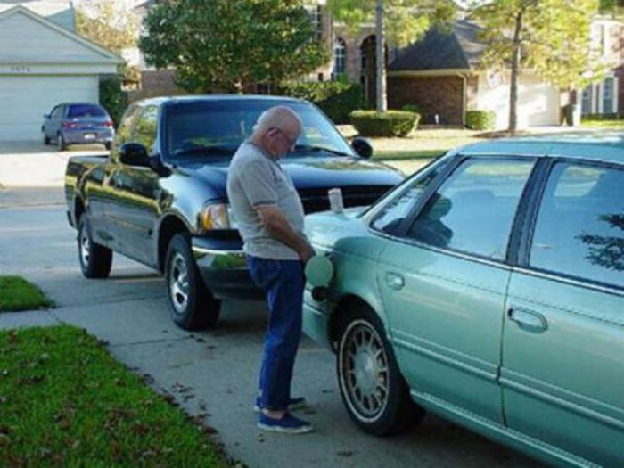 Men Doing Crazy and Weird Things (60 pics)